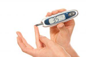 Электронный измеритель холестерина в крови